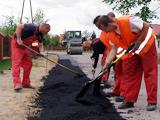 Odbudowa nawierzchni dróg gminnych po robotach sieciowych kanalizacyjnych.